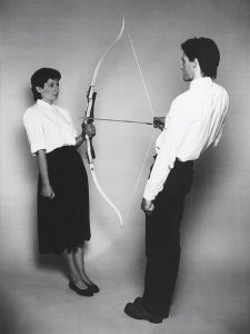 Marina et Ulay Abramovic, Rest Energy, 1980, performance 4 min.30