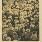 T. MODOTTI 1896-1942), Défilé de travailleurs, 1926, épreuve palladium, 21,6 x 19,1 cm, collection particulière